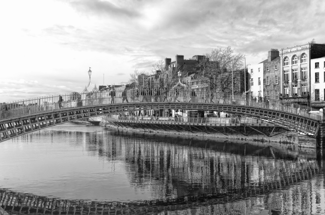 The Ha'Penny Bridge – Black & White